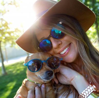 cane_con_occhiali